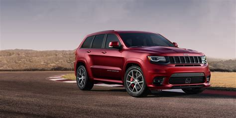 jeep grand cherokee srt offroad 2017 jeep grand cherokee srt review