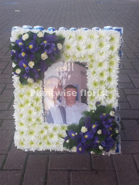 photo frame wreath    photo funeral flowers canvey island