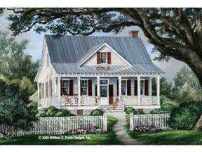cottage house plan with 1738 square feet and 3 bedrooms