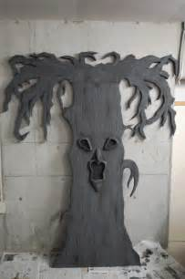 Halloween Decorations To Make At Home by Scary Halloween Decorations To Make At Home
