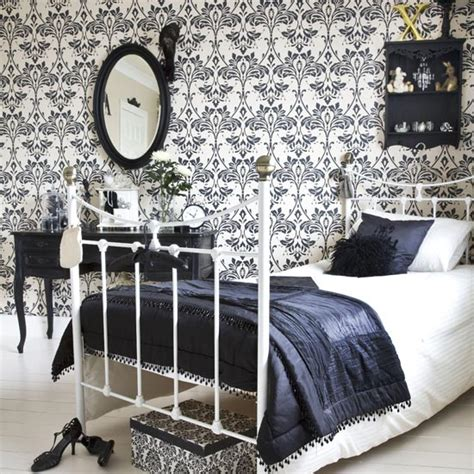 damask bedroom decor interior bedroom decorating with damask wallpaper designs