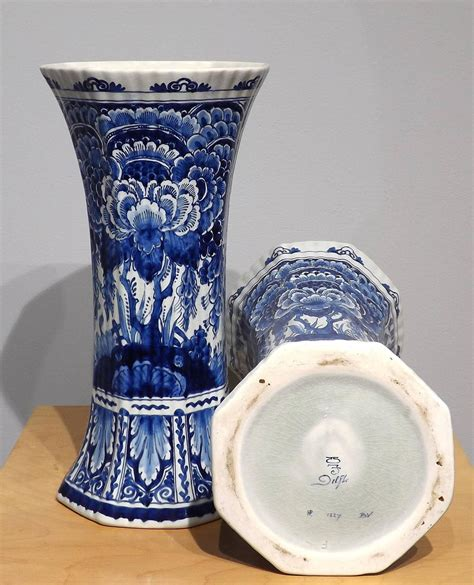 Delft Vase Markings by Pair Of Royal Delft Blue Vases At 1stdibs