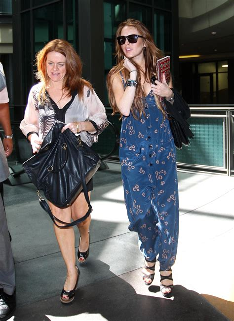 Lindsay Lohan Leaves Water Running by Photos Of Lindsay Lohan Running Errands And Leaving