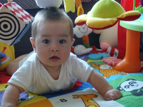 film untuk anak 6 bulan banyakkan aktiviti dengan bayi 3 hingga 6 bulan tempoh