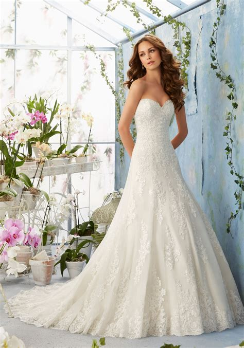 wedding dresses embroidered lace appliques on net with scalloped hemline