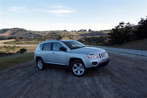 Jeep Compass Latitude Reviews Review 2011 Jeep Compass Latitude The About Cars