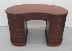 Antique Kidney Shaped Desk 219 Antique Kidney Shaped Desk Lot 219