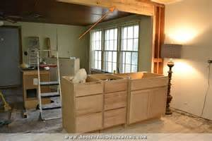 Kitchen breakfast bar countertop height or bar height