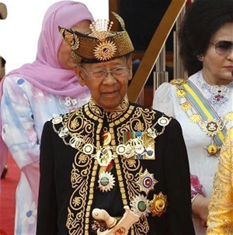 sultan abdul halim muadzam shah king  malaysia