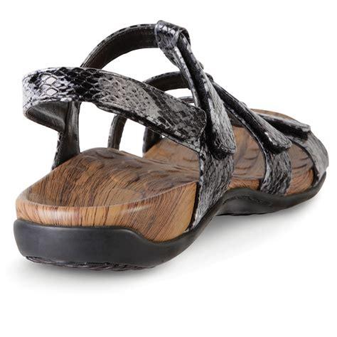 the s plantar fasciitis sandals hammacher schlemmer