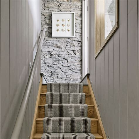 paint colors for hallways and stairs 25 best ideas about hallway colours on grey