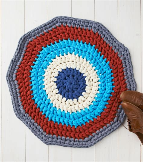 how to crochet a rug out of yarn 20 awesome ideas on how to turn regular trash into treasure
