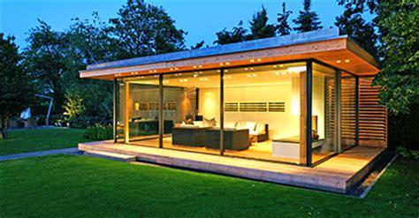 gartenpavillon modern gartenm 246 bel aus stein selber bauen ambiznes