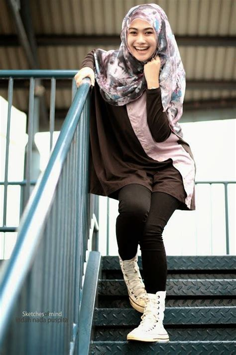 Jilbab Legging Sneakers Style 11 Ways To Wear Sneakers With