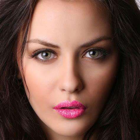 lip tattoo de mond en lippen vormen een opvallend