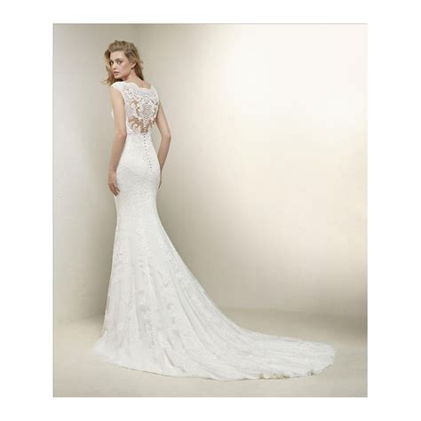 wedding dresses pronovias drusila lace v neck line wedding dress stunning