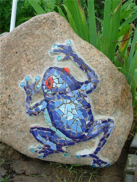Mosaic Ideas For Garden 25 Best Ideas About Mosaic Garden On Pinterest Mosaic Garden Mosaic Crafts And Mosaic Ideas