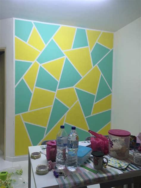 betul deko  cat dinding corak abstrak mula