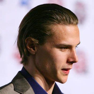 boys hockey haoecut erik karlsson hockey hairstyle hockey hairstyles