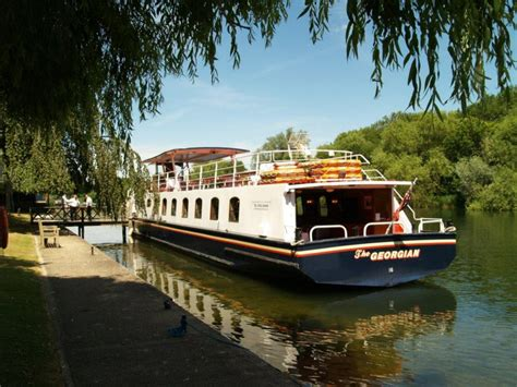river thames boat venues river thames wedding boat hire windsor maidenhead