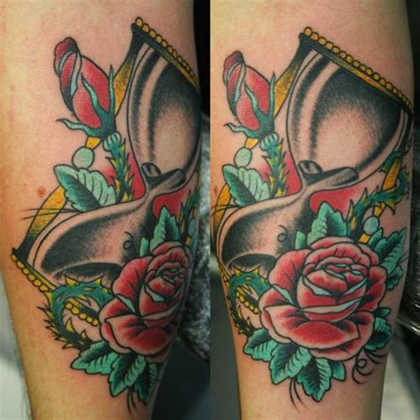tattoo old school clessidra tattoo clessidra by psycho tattoo studio