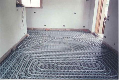pannelli a pavimento pannelli radianti risparmio casa utilizzare pannelli