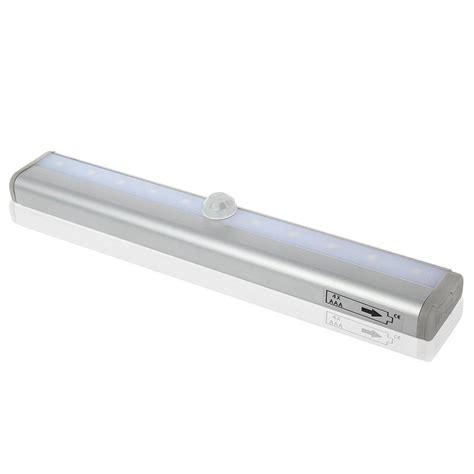 illuminazione armadio illuminazione armadio tante proposte a led ed automatiche