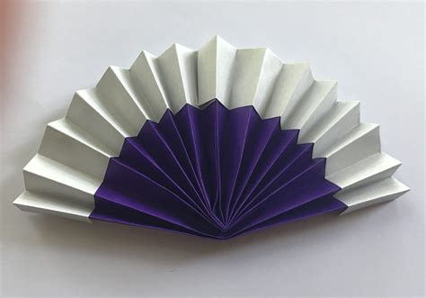 Origami Fan - and tutorials to and try at home from