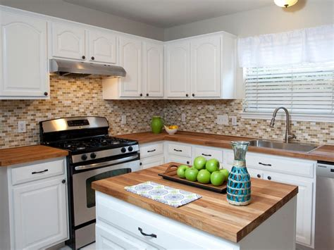 what color cabinets work best with white appliances