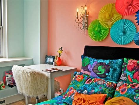 How To Decorate A Bedroom Wall by 10 Unique Ways To Decorate Your Master Bedroom Wall