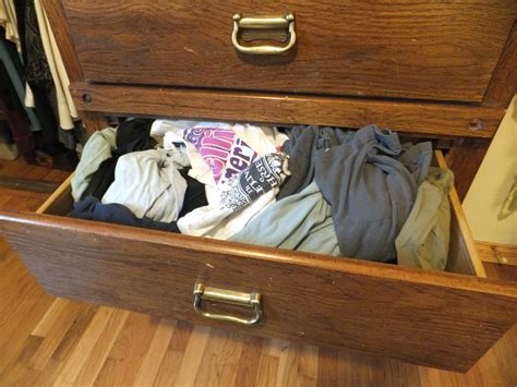 Folding T Shirts For Drawers by Clean Up His Room Organizing San Francisco
