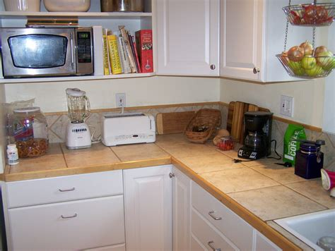 counter kitchen organizing kitchen counter just the right things