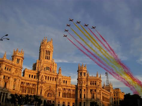 Desde El Cielo A Espana panoramio photo of ayuntamiento de madrid patrulla 193 guila dibuja bandera de espa 241 a en el cielo