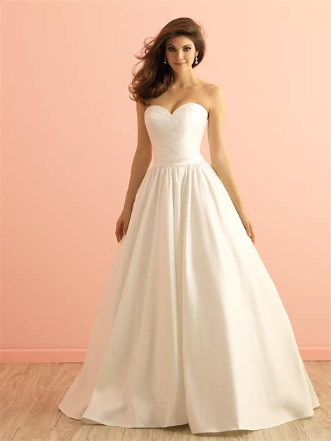 Simple Ball Gown Satin Wedding Dress Strapless Sweetheart