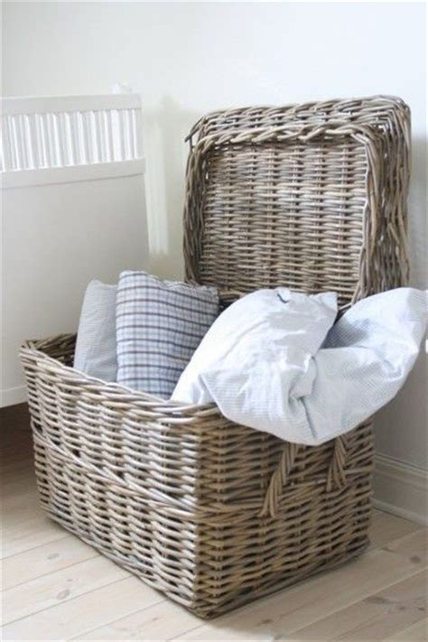 throw pillow storage best 25 storing blankets ideas on pinterest
