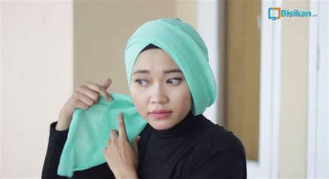 tutorial turban segi tiga tutorial hijab cara memakai jilbab turban segi empat