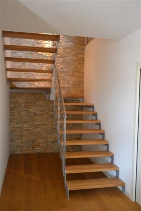 scale a ra per interni scala in acciaio verniciato con gradini in legno scale