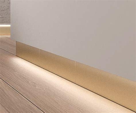 badezimmer baseboard ideen baseboard porcelain stoneware backlit technal gold