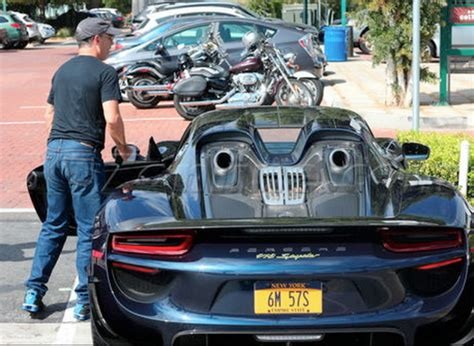 seinfeld porsche 918 video jerry seinfeld takes his porsche 918 spyder for a