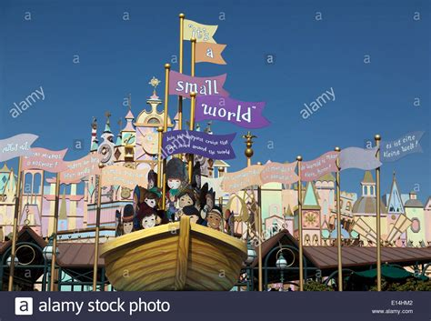 disneyland paris boat ride it s a small world a musical boat ride located in the