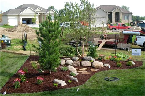 Small Sloped Backyard Ideas Sloped Front Yard Landscaping Ideas Backyard Design You Need To Landscape Back