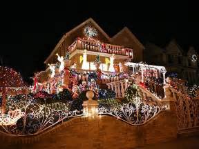 Xmas Decorated Homes by Top 10 Biggest Outdoor Christmas Lights House Decorations