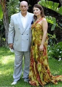 Gamis Jaguard Wafle Syari polly peck tycoon asil nadir flies to uk after 17 years on