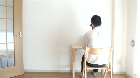 japanese minimalism video these japanese minimalists own almost nothing