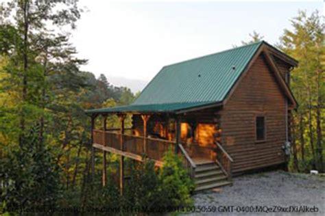 gatlinburg  day thanksgiving vacation  bedroom cabin