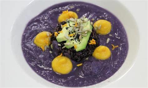 come cucinare la verza rossa ricetta vegan crema di verza rossa e patate violette