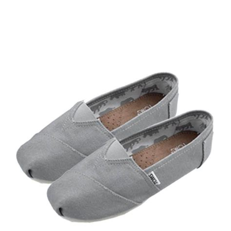 toms shoes outlet 1000 images about toms and vans d on cheap