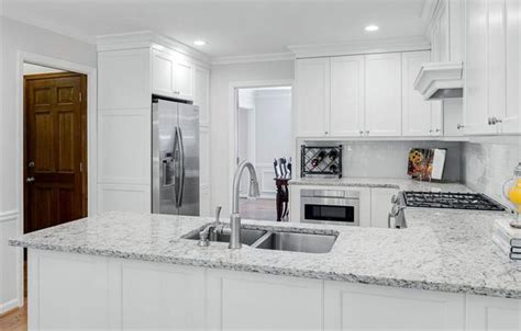 white kitchen cabinets with white granite countertops what countertops go with white cabinets peenmedia com