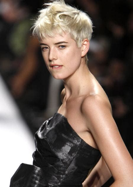 Agyness Deyn And by Agyness Deyn Profile Biography Pictures News