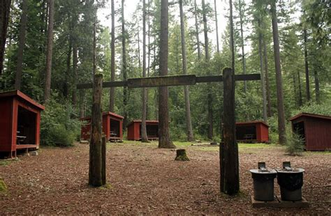 Detox Cabins by Could You Survive A Digital Detox The Summer C For